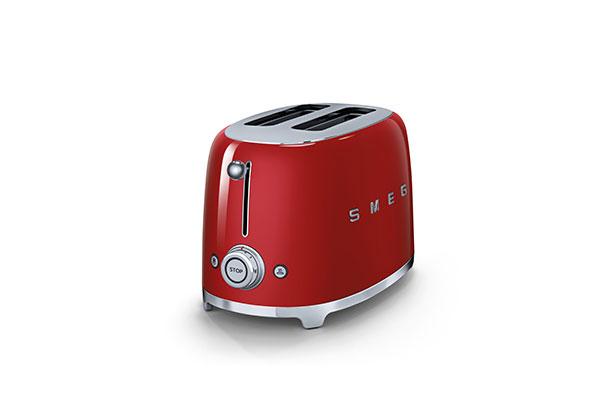 Tostapane SMEG con 6 livelli di doratura e 3 programmi preimpostati: riscaldamento, scongelamento, bagel